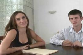 Video porno de madura con medias negras